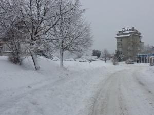 Заради снега: Гробище остана недостъпно в село в Пловдивско