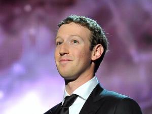 Марк Зукърбърг се готви за следващите президентски избори в САЩ?