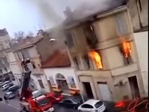 Мощни експлозии в Марсилия, чуват се сирени, има загинал ВИДЕО