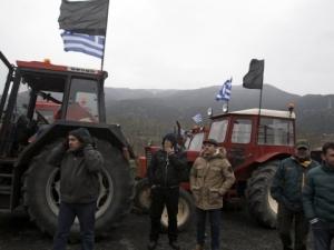 Гръцките фермери отново на протест, блокират границата ни