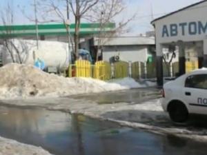 Маскирани обраха бензиностанция, нападнали служителя на смяна ВИДЕО