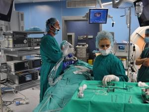 """Директорът на УМБАЛ """"Свети Георги"""" извърши уникална операция за премахване на тумор"""