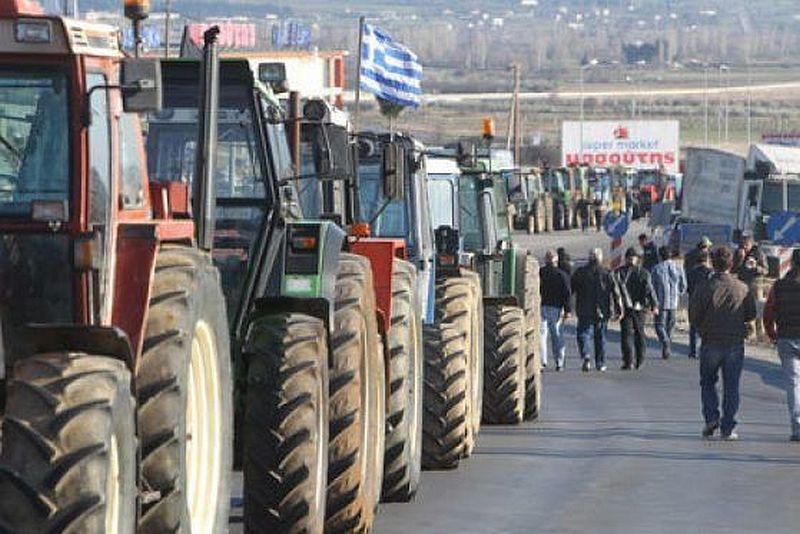 Превозвачи готвят контрапротест, ако гръцки фермери отново блокират границата