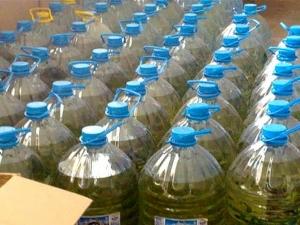Задържаха 594 литра ракия, маскирана като минерална вода