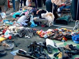 НАП издирва 8 некоректни търговци от пазара в Димитровград чрез полицията