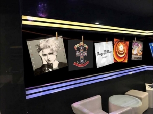 Новият диско клуб Комо – без Издислав, но с  IS THIS THE LOVE