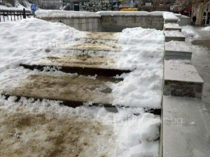 Пясък се появи по подлезите в Пловдив... след като снегът спря ВИДЕО
