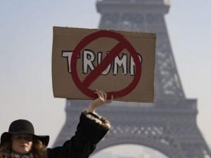 И в Европа скочиха срещу Тръмп! Протести в десетки градове