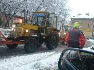 61-годишен мъж задигна... снегорин