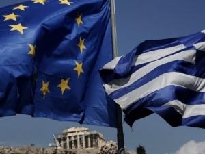 Еврозоната облекчава гръцкия дълг