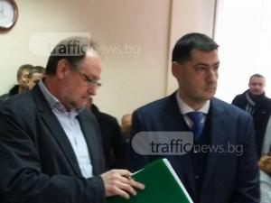 Обрат! Съдът върна кмета Иван Тотев на работа