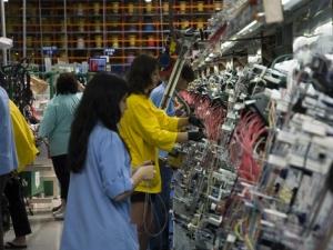 Вдигат завод за 45 милиона евро край Димитровград, ще обслужва Мерцедес