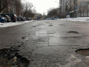 Огромни ями се отвориха в Тракия след топенето на снега, от кметството започват да ги пълнят СНИМКИ