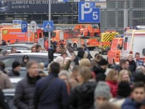 Затвориха летището в Хамбург, след като 50 души пострадаха от неизвестна субстанция