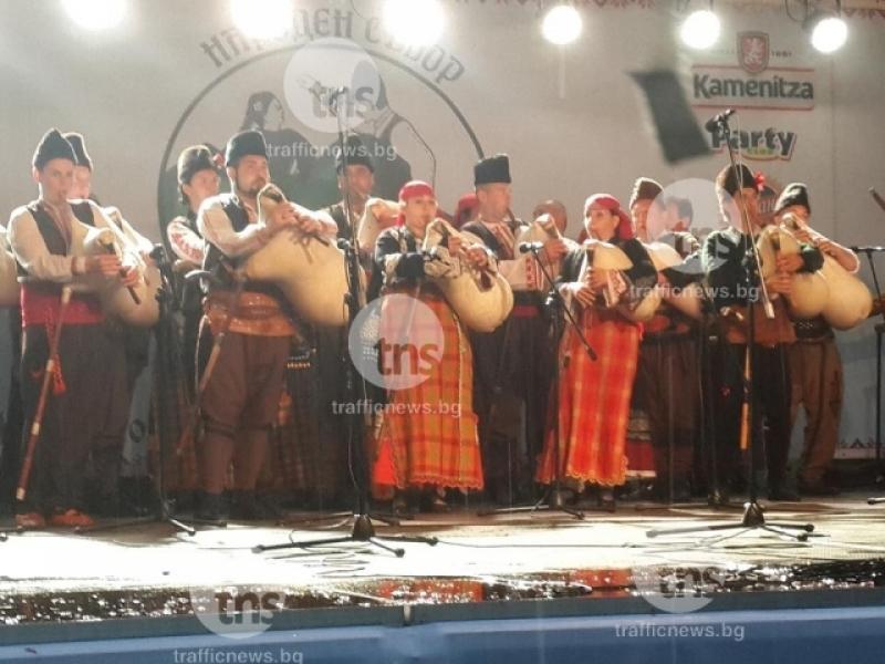 101 каба гайди ще озвучат отново Лаута! 3000 изпълнители ще участват в Народния събор