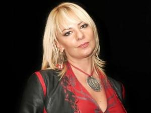 Нона Йотова кандидат-депутат от БСП, на избираемо място е