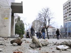 Мазилка падна до минаващи пешеходци в Пазарджик ВИДЕО