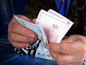 Жена хвърли през балкона 30 000 евро на телефонни измамници