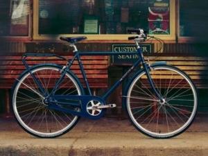 Министър откри велоалея, откраднаха му колелото