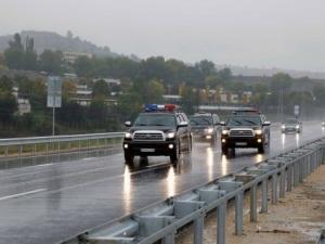 Бойко свали министрите от колите на НСО, но новите се качиха
