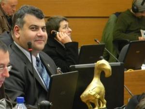 Бивш пловдивски общинар, носител на Златен скункс,  влиза в битката за парламента