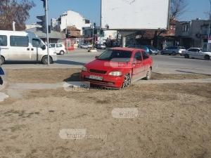 Катастрофа на Пещерско, водач си заряза колата СНИМКИ