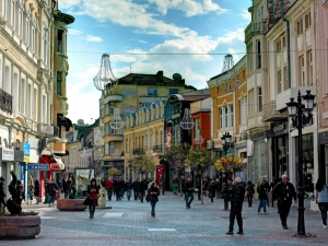Пловдив ще е най-топлият град в България днес! Градусите ще доближават 15