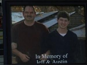 Баща и син загинаха, след като колите им се удариха челно