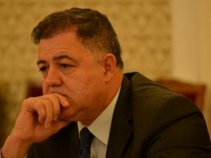 Бившият военен министър се изправя пред съда