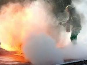 Пожар в мол! Газова бутилка гръмна в ресторант