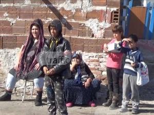 Ромите от незаконните къщи в Столипиново искат общински жилища ВИДЕО