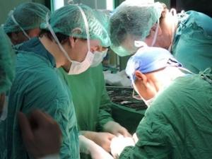 Нямаме екип за бъбречни трансплантации! Оставаме без детски специалисти