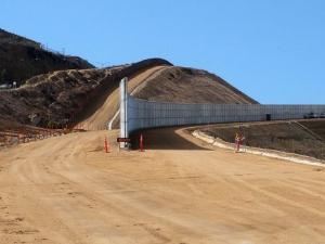 От САЩ са готови за строежа на стена на границата с Мексико