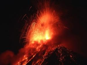 Още един действащ вулкан изригна в Гватемала