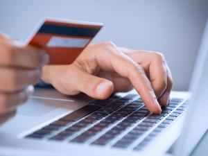 Внимание! Нов вирус краде данните от карти при пазаруване онлайн