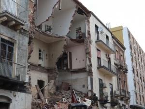 Сграда се срути в Италия! Един е загинал, пострадало е и бебе ВИДЕО