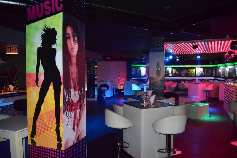 Диджеи от Европа превземат КОМО club в петък вечер СНИМКИ
