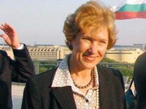 Елена Поптодорова е задържана на летището във Варшава! Крадяла козметика