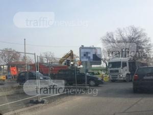 """Неработещ светофар предизвика хаос на  """"Шести септември"""" СНИМКИ"""
