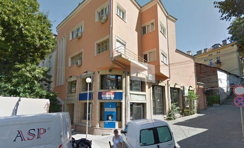 Пловдивчанин се обеси пред вратата на любимата си
