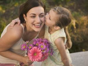 Честит 8 март! Прегръщаме всички майки и техните дъщери