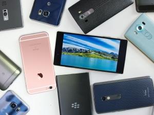 Сменяме смартфоните си все по-рядко