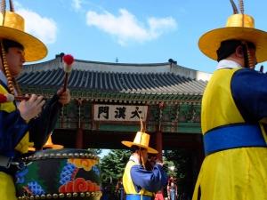 Празник в Южна Корея заради свалянето на президента