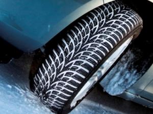 Специалисти съветват все още да не се сменят зимните гуми