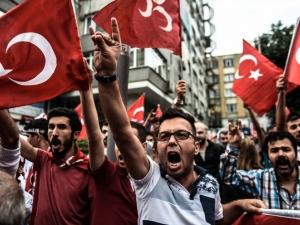 Холандия спря посещението на турския външен министър