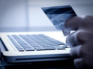 Български онлайн магазини заразени с вирус, който краде данните на картите