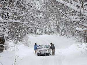 Трима души са загинали при снежната буря в САЩ