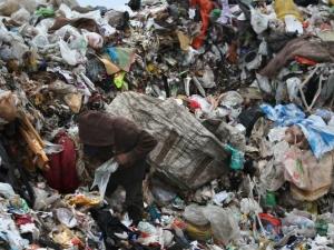 113 души загинаха, затрупани от... боклуци