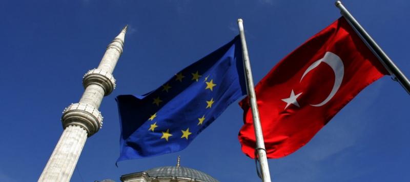 Турция отново плаши Европа с мигранти