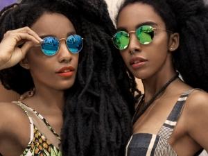 Сестри станаха интернет звезди заради косите си СНИМКИ